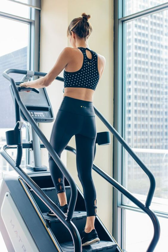 20-Minute Fat Burning Stairmaster Workout - Toned and Traveled